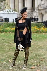 shenka-mag_Fashion Week Paris_Grand Palais__Exterieur defile Chanel-2019_ Joey Nicles Modeste 18