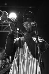 photo-alain-herman_gyedu-blay-ambolley_isaac-kwaku-ansong-new-morning_concert 1