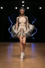 shenka-mag_iris-van-herpen-haute-couture-fwp-20-jan-2020-cirque-hiver_5
